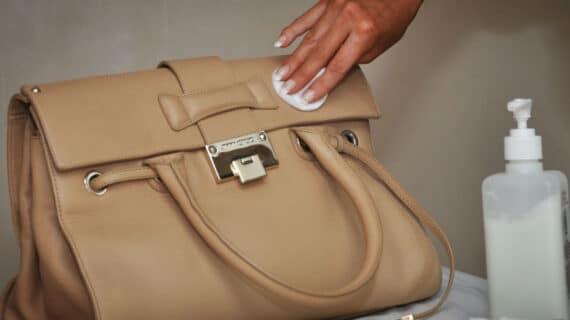 8 Cara Merawat Tas Kulit Wanita dengan Mudah